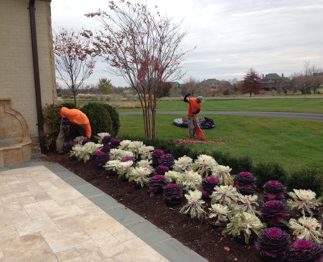 The Benefits Of Hiring A Landscape Maintenance Crew Mr